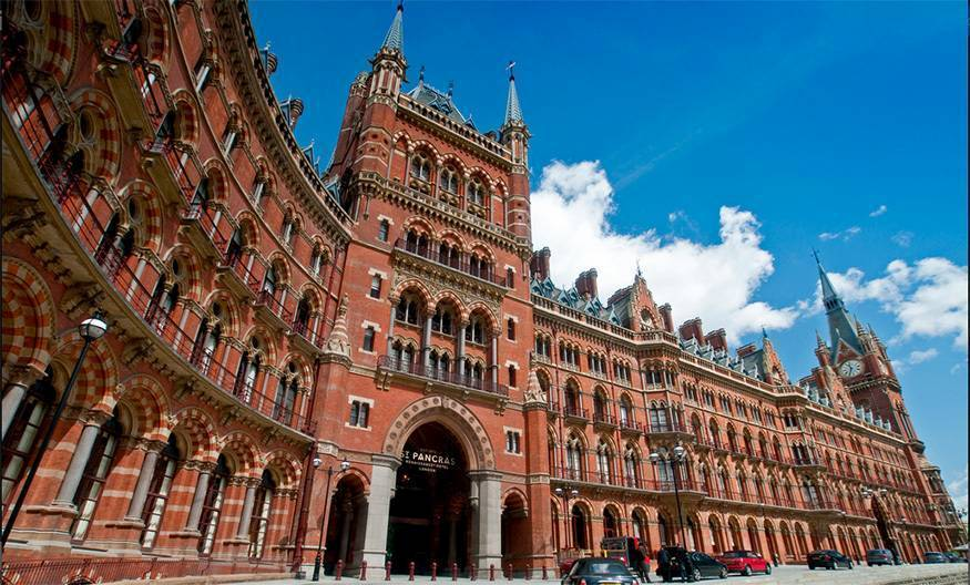 St Pancras hotel & train station
